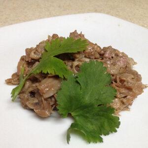 Barbacoa de cola de res con cilantro